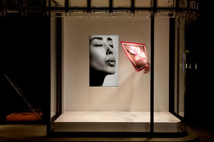 Maison Hermes Window Display by Tokujin Yoshioka Tokyo