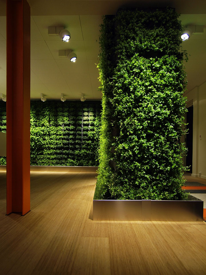 Plant wall by greenworks retail design blog for Indoor light decoration ideas