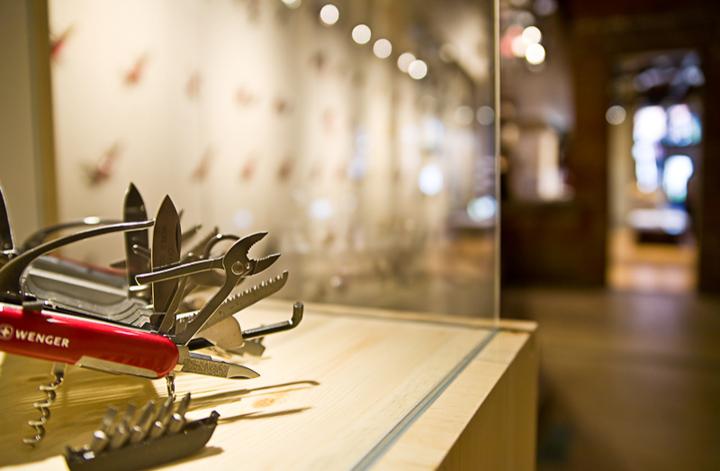 187 Wenger Maker Of The Genuine Swiss Army Knife Boulder