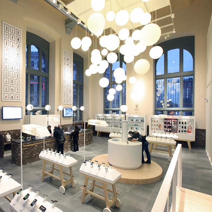 BASE Flagship Store by Creneau International 02 BASE Flagship Store by Creneau International, Antwerp