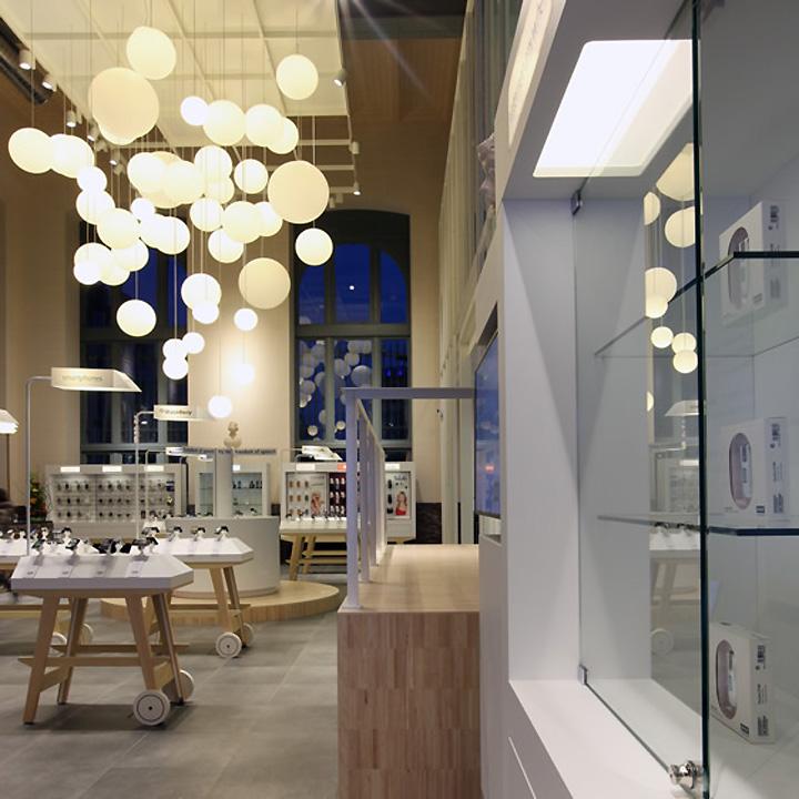 BASE Flagship Store by Creneau International 04 BASE Flagship Store by Creneau International, Antwerp