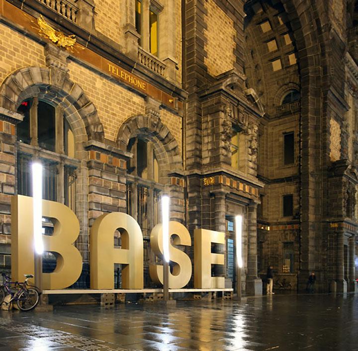 BASE Flagship Store by Creneau International 08 BASE Flagship Store by Creneau International, Antwerp