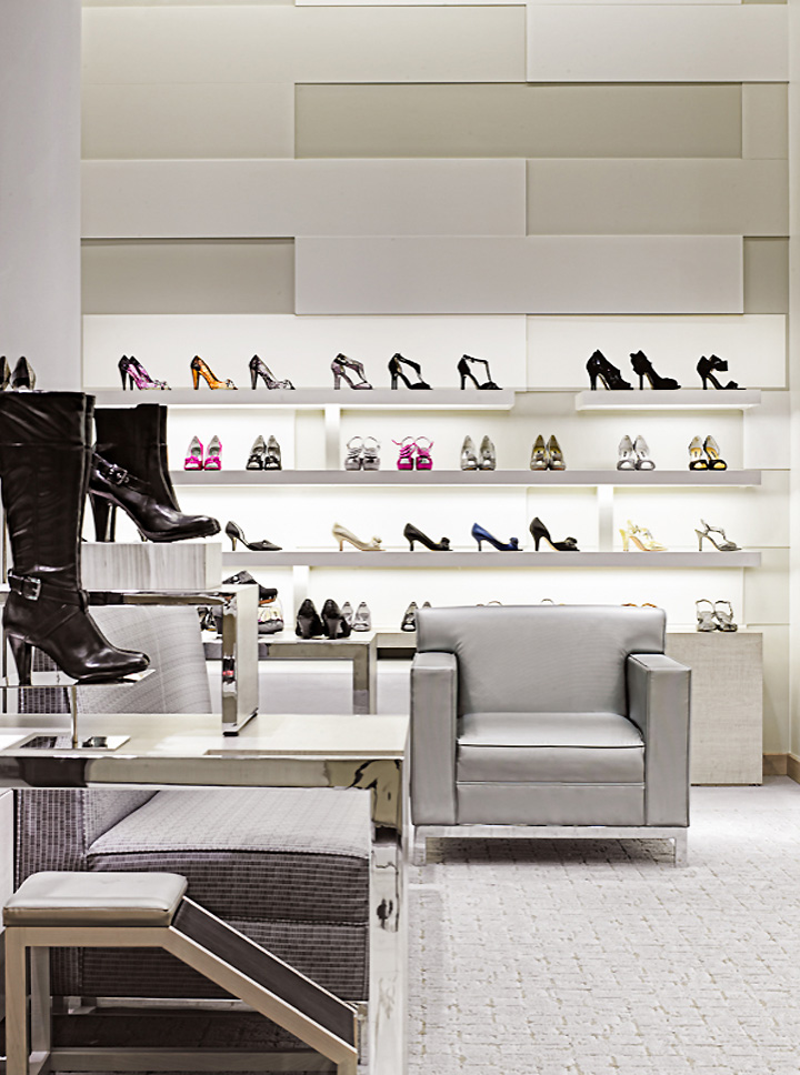 Obtain a vendor's license and wholesale supplier for your women's shoe store