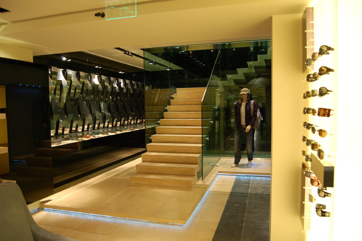 Heaven luxury multibrand store by artica budapest for Mobilia international