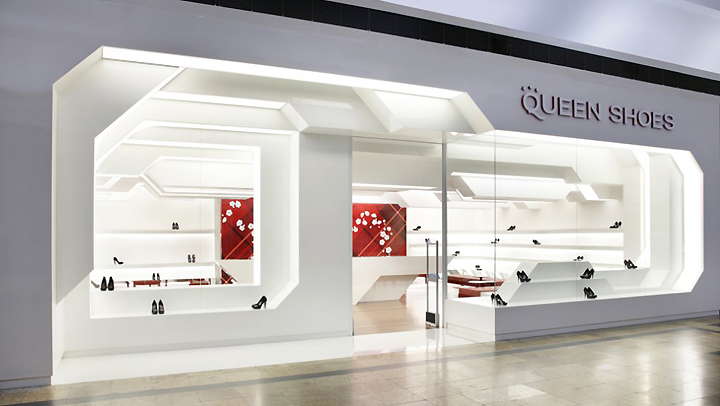 Queen shoes by guilherme torres londrina brazil for Retail shop exterior design