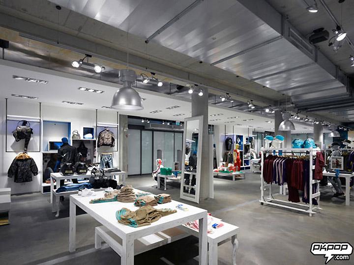 new product 16d19 fe9e2 » Adidas Originals concept store, Berlin