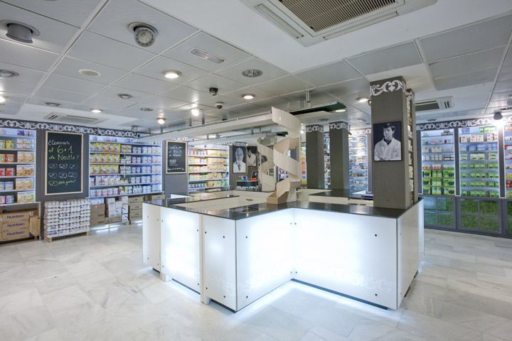 Arenal2 pharmacy by marketing jazz madrid retail design - Resource furniture espana ...