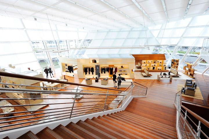 Louis vuitton maison by peter marino singapore retail design blog - Maison disigne ...