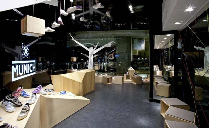 munich l illa diagonal by dear design barcelona retail. Black Bedroom Furniture Sets. Home Design Ideas
