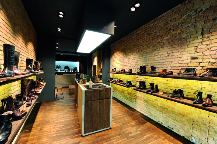 14 oz shoes store berlin for Interior design for shoes shop
