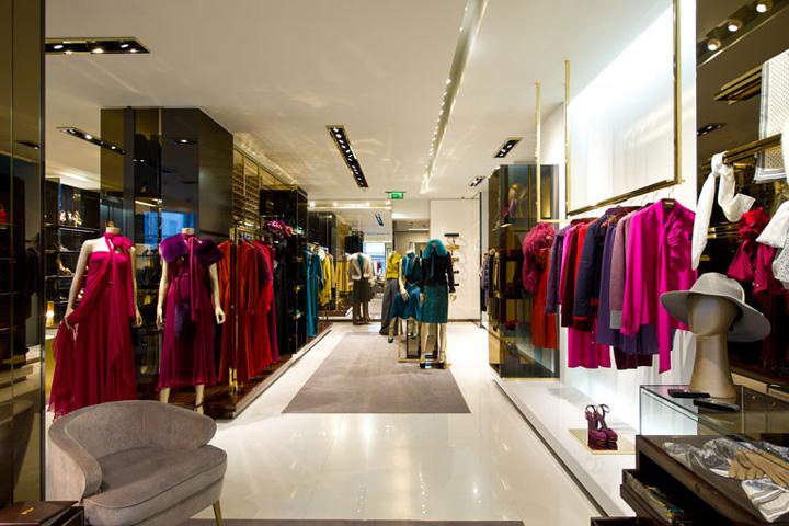 Uniqlo store windows - Gucci Flagship Store London 187 Retail Design Blog