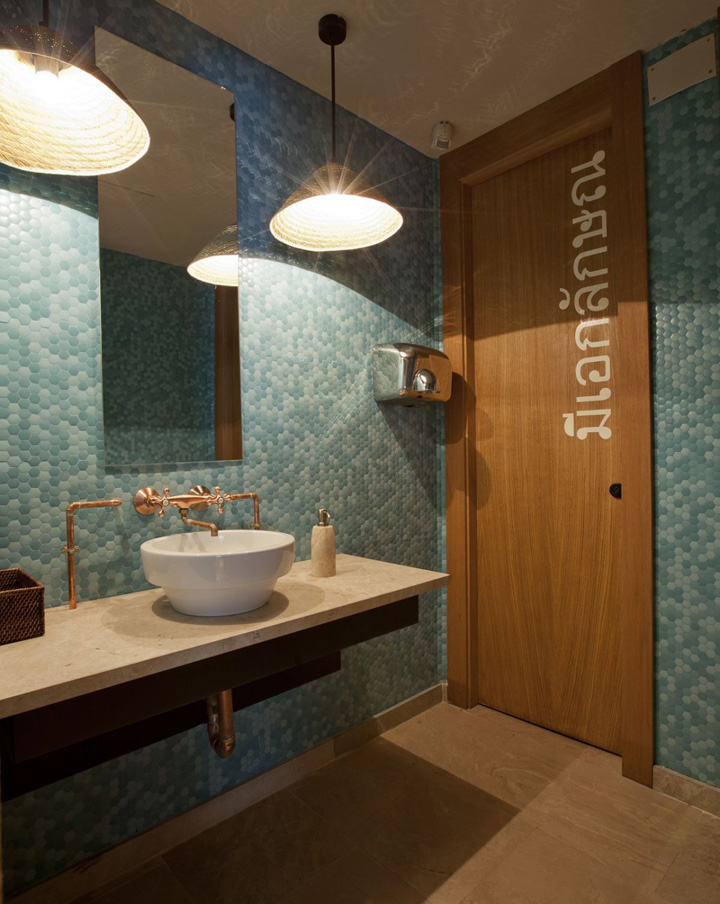 Lah restaurant by ilmiodesign madrid retail design blog for Bathroom design restaurant