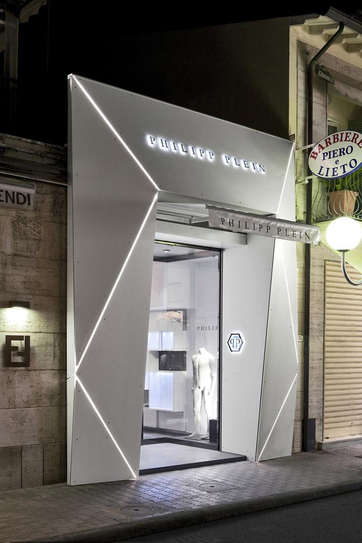 Philipp plein store by aquilialberg versilia italy for Shops exterior design