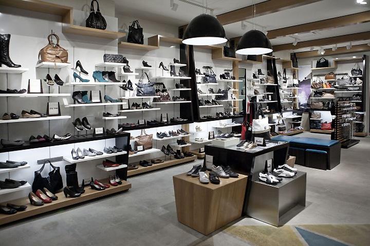 Aldo Shoe Store In Montreal
