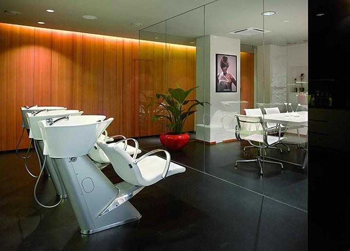 187 Petra Mechurova Hair Salon Prague