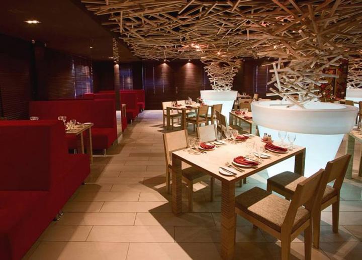httpwwwmodresdescom201002expressive sliver restaurant interior design by darkdesigngroup