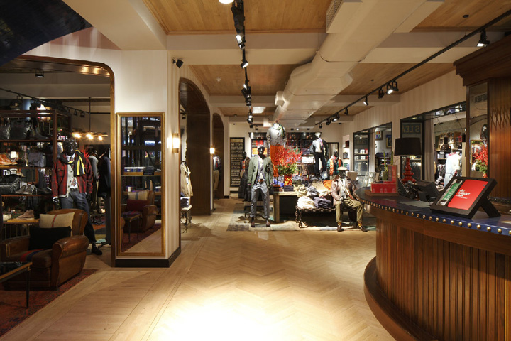 187 Tommy Hilfiger Flagship Store Brompton Road London