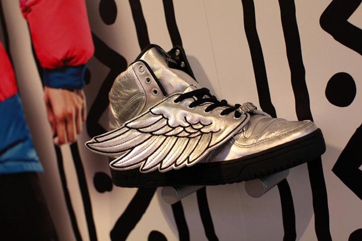 promo code 27747 d07c2 » Adidas Originals Jeremy Scott pop-up store London 05