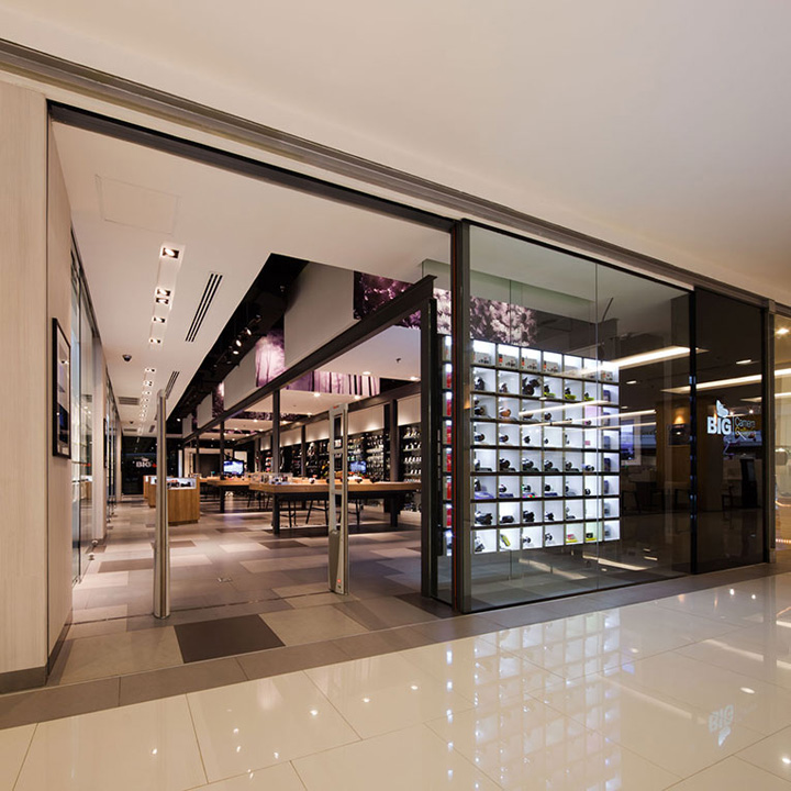 187 Big Camera Store By Whitespace Bangkok