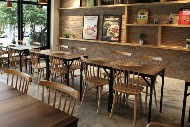 Mesas y ambientes de estilo industrial con sillas Nórdicas