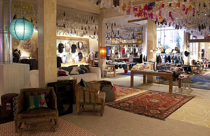Desigual shop showroom barcelona retail design blog - Desigual oficinas barcelona ...
