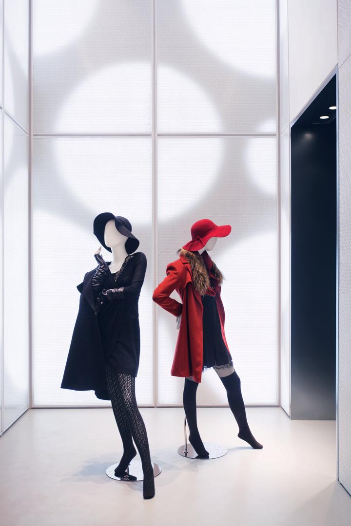 David Thulstrup Designs Symmetrical Space For Georg Jensen: » Elegant Prosper Store By STUDIO David Thulstrup