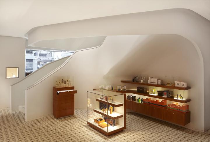 187 Herm 232 S Flagship Store By Rdai Geneva