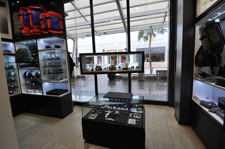 Display Warehouse | Display Cases, Fixtures, Retail Supplies