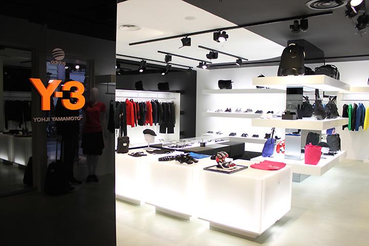 Y-3 shop-in-shop 4f789b613e9cf
