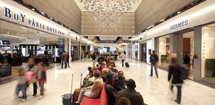Charles de Gaulle airport shopping center WCIE 02 Charles de Gaulle airport shopping center by W&CIE, Paris