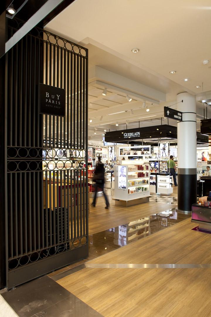Charles de Gaulle airport shopping center WCIE 05 Charles de Gaulle airport shopping center by W&CIE, Paris