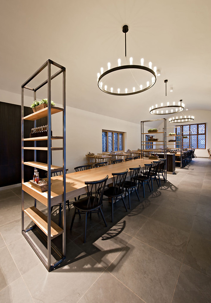 Coach house restaurant by shh hatfield retail design blog for Home restaurant