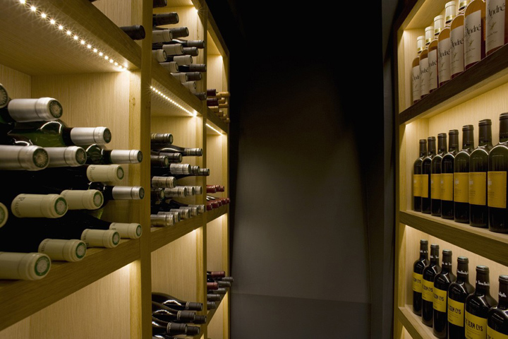 la cave a vin 9 wine bar by cyrille druart paris retail design blog. Black Bedroom Furniture Sets. Home Design Ideas
