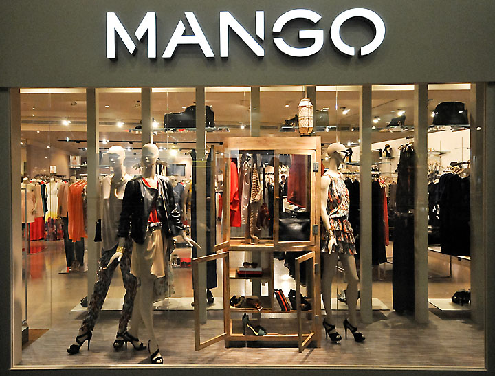 Mango window displays Budapest 02 Mango window displays, Budapest