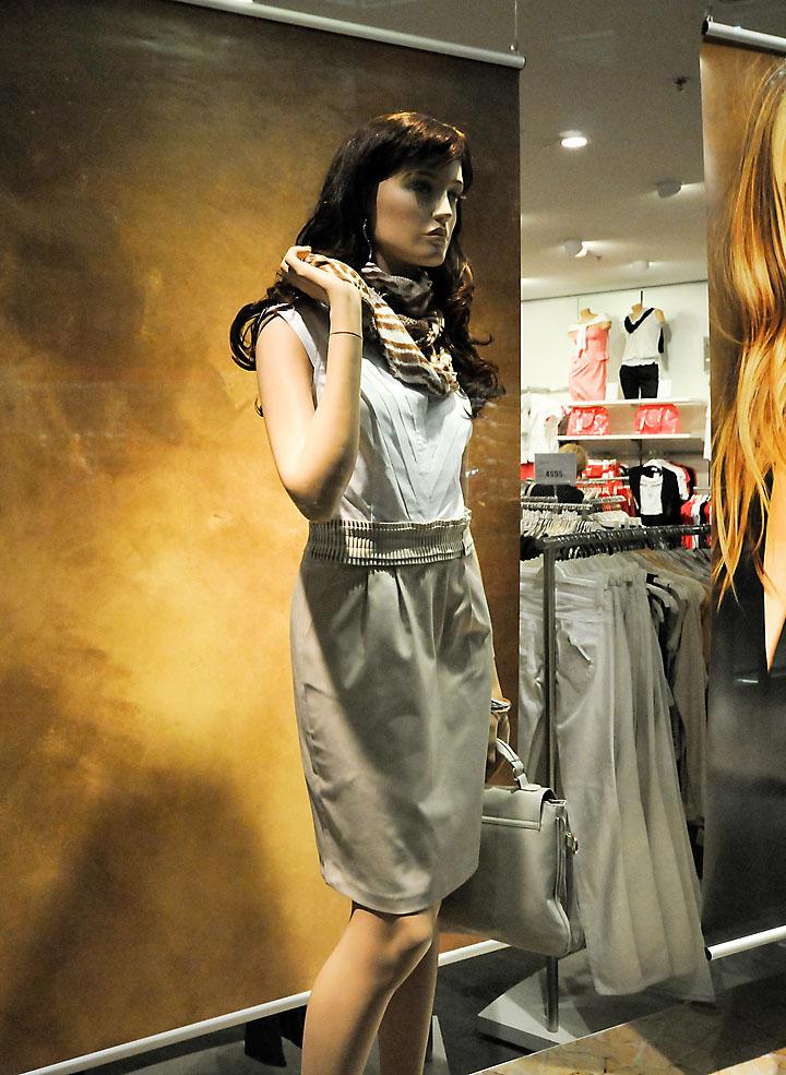 orsay window displays  budapest  u00bb retail design blog