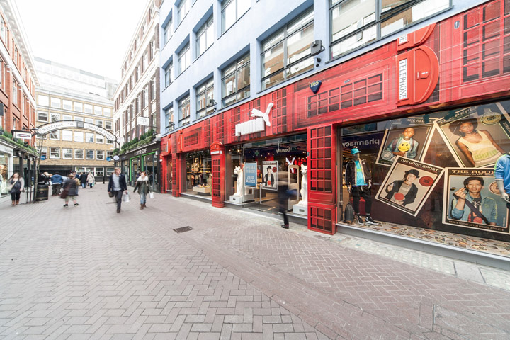 Puma store by Plajer Franz Studio London 29 Puma store by Plajer & Franz Studio, London