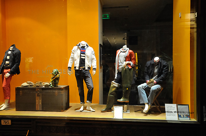 187 Tommy Hilfiger Window Display Budapest