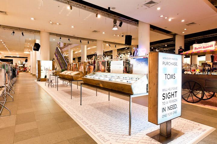 toms retail