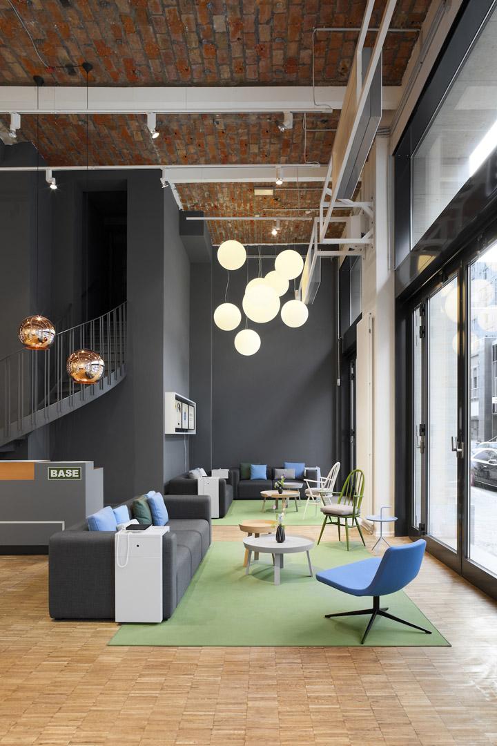 base camp shop caf by nest one berlin retail design blog. Black Bedroom Furniture Sets. Home Design Ideas
