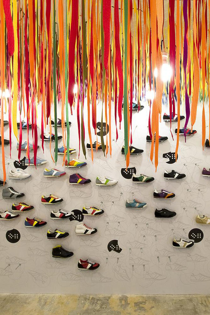 Exhibition Stand Ceiling : Shoe stores botas at designblok by a architects