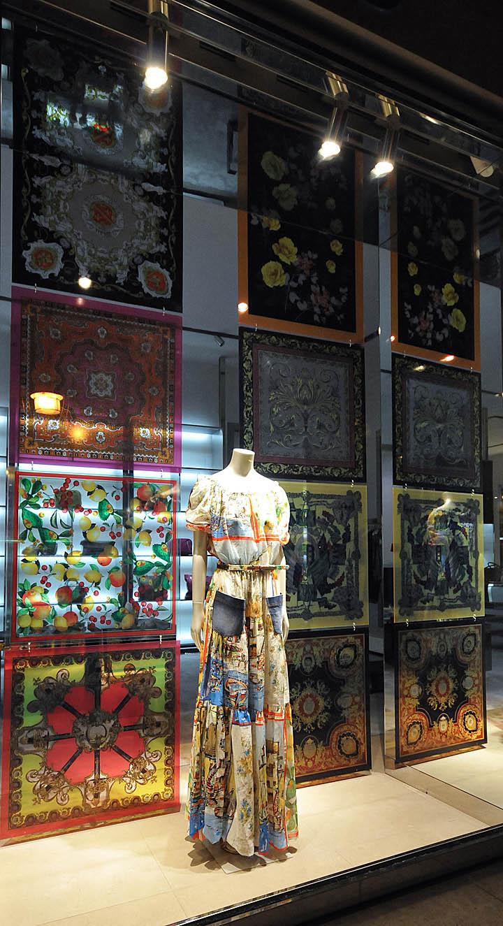 187 Dolce Amp Gabbana Window Displays Budapest