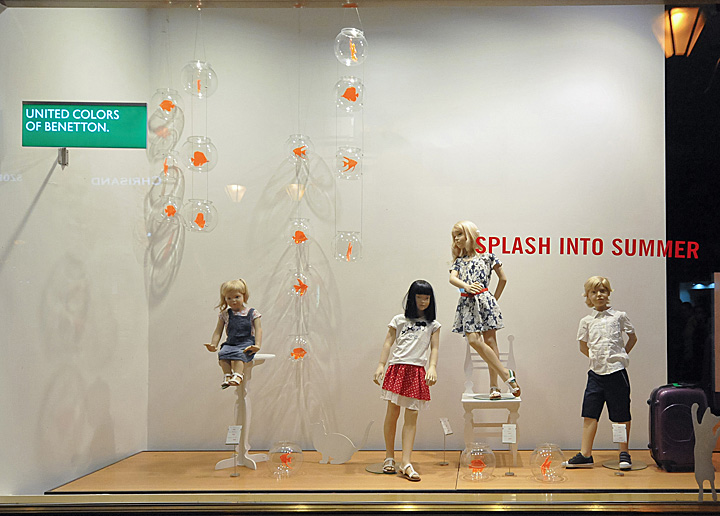 187 Benetton Window Displays Summer 2012 Budapest