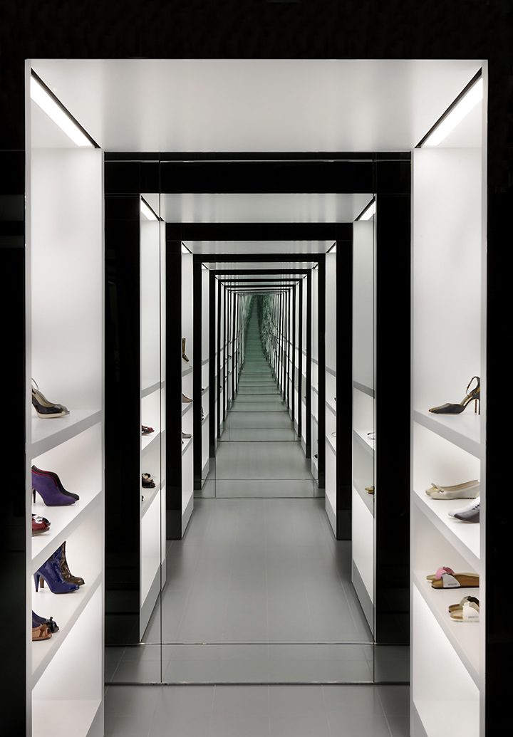 Kurt geiger store at regent street by found associates - Black and white dressing room ...