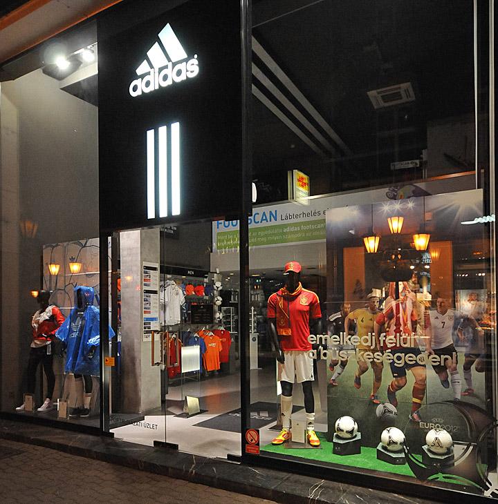 Adidas Window Displays Summer 2012 Budapest 187 Retail