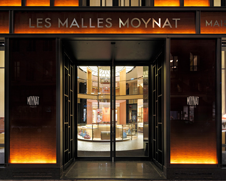 BOUTIQUE LES MALLES MOYNAT PARIS FRANCE