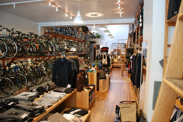 bicycle stores huckleberry bicycles san francisco retail design blog. Black Bedroom Furniture Sets. Home Design Ideas
