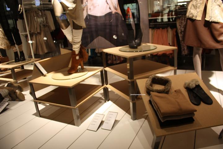 H m windows at regent street london retail design blog for Mobilia qatar