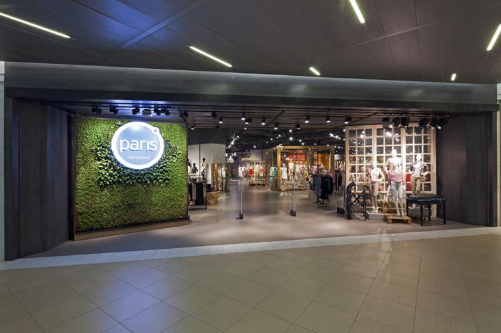 paris womenswear store by dalziel and pow santiago
