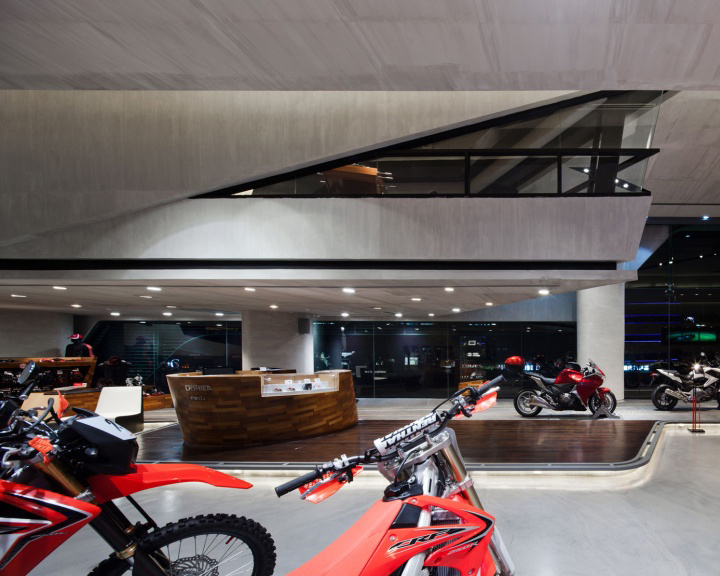Honda BigWing showroom by Whitespace 02 Honda BigWing showroom by Whitespace, Thailand