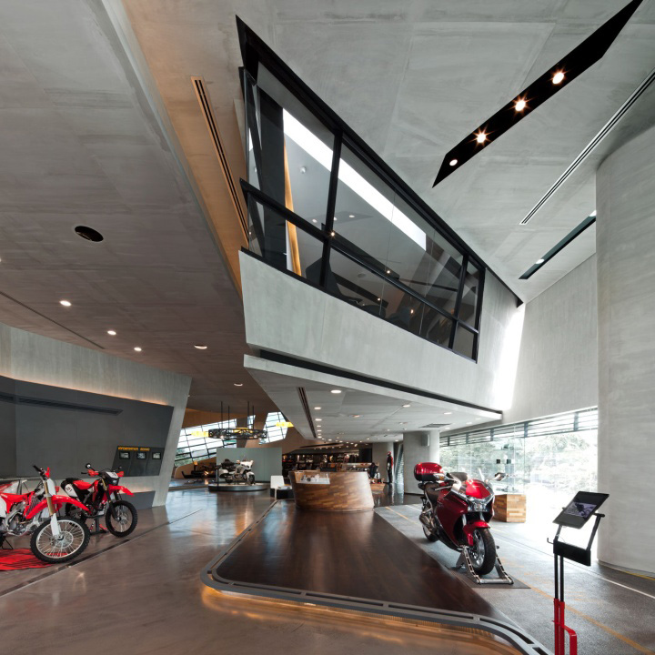Honda BigWing showroom by Whitespace 03 Honda BigWing showroom by Whitespace, Thailand